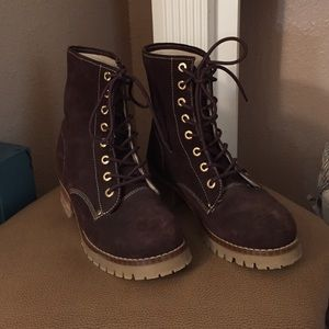 Lugz Shoes - 🌺 Women's brown lace up boots