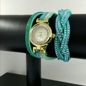 Accessories - Blue woman fashion watch