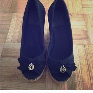 Tory Burch wedge size 5.5