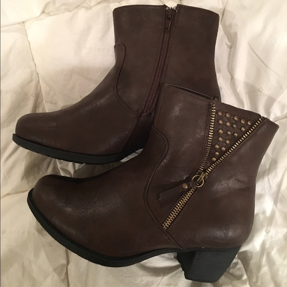 3614341652a2 Easy Street Shoes - CLEARANCE SALE Wide Width Women s Ankle Boots