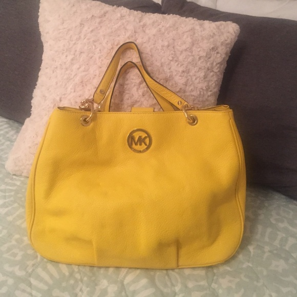 bc38ed7fafa0 Michael Kors Bags | Fulton Chain Large Tote Yellow | Poshmark