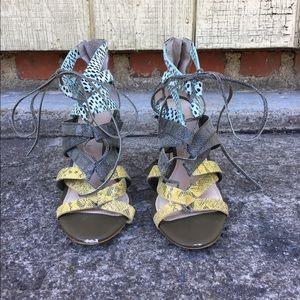 Banana Republic Snakeskin Strappy Sandal Heel Sz 7