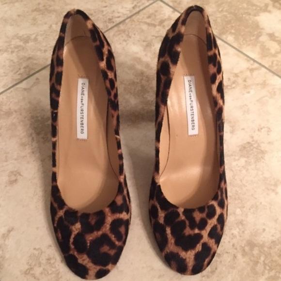 Diane von Furstenberg Shoes - 🆕 Diane von Furstenburg - Serena heels