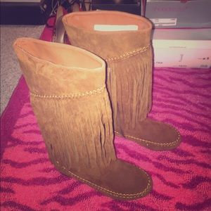 Shoes - Fringe knee high moccasin boots Sz 7.5