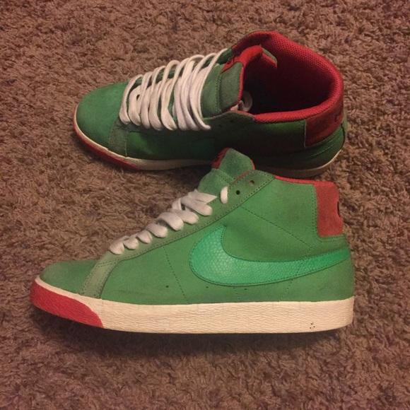 official photos 27f88 8566e Nike sb blazer mid green Kermit the frog Christmas