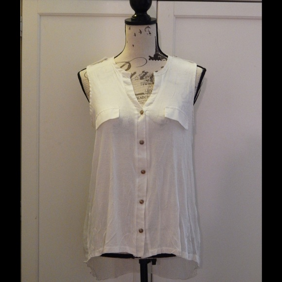 Double Zero Tops - White Sleeveless Blouse Sz M
