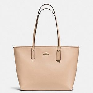 🍂Nude Coach City Tote🍂