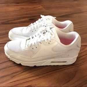 Women's Nike Air Max Size 9 White