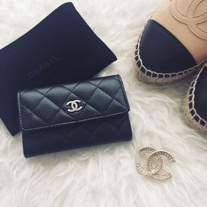 💕HOST PICK💕Chanel card holder