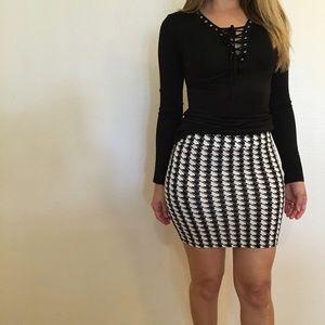 Dresses & Skirts - Houndstooth Bodycon Mini Skirt