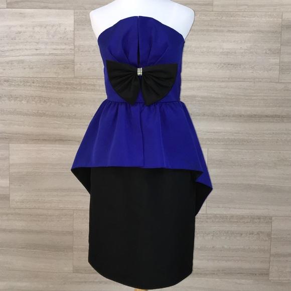 e83cacec65e Saks Fifth Avenue Darcy Vintage Dress Size 6. M 583ca16956b2d65e6b11fbb1