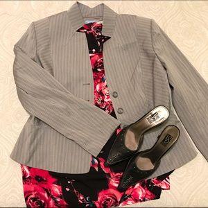 ANTONIO MELANI Jackets & Blazers - Antonio Melani gray pinstripe stiff collar blazer