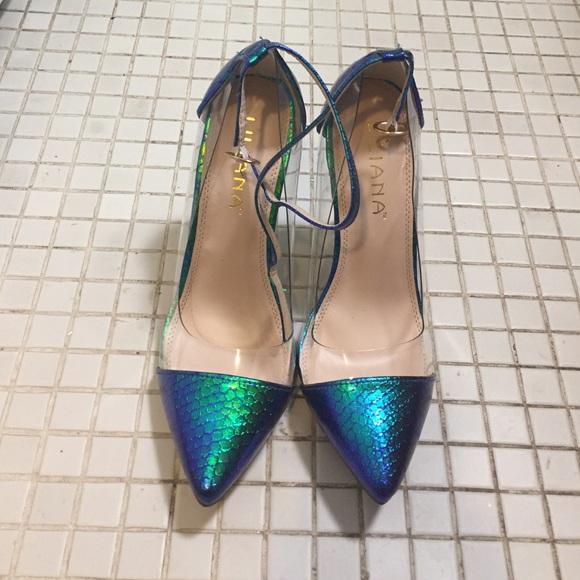 52b39a2ba0e Clear sides with a 😍 mermaid pattern pointy toe. M 57f7fbb17fab3a5d110278f7