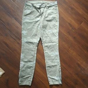 Loft camo jeans 31/12 T