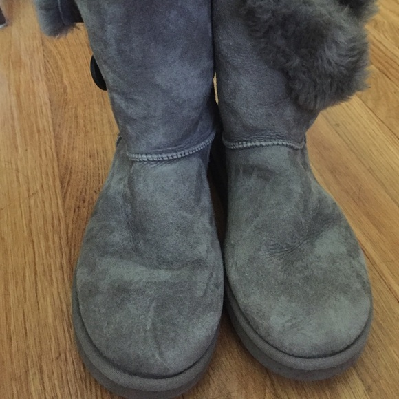 Uggs With Buttons On Side UGG - Gray Side...