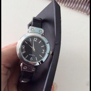 Accessories - New black watch