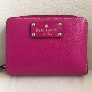 Auth Kate Spade Wellesley Wallet