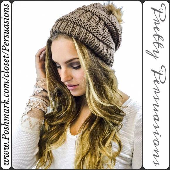 SALE💜NWT Taupe Pom Pom Slouchy Beanie Hat d83b1549cfa