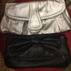 Handbags - Clutches