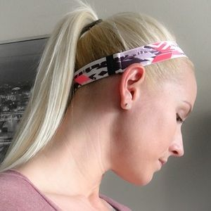 Victoria's Secret Accessories - 👱🏻‍♀️Victoria's Secret Sport Headband👱🏻‍♀️