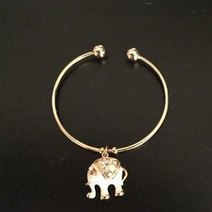 Jewelry - Elephant charm bangle