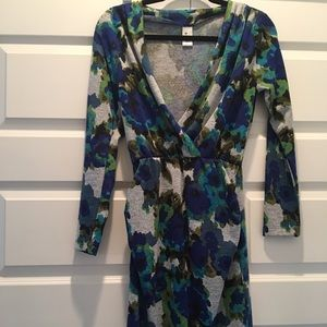 Dresses & Skirts - Super comfortable! Flower print sweater dress