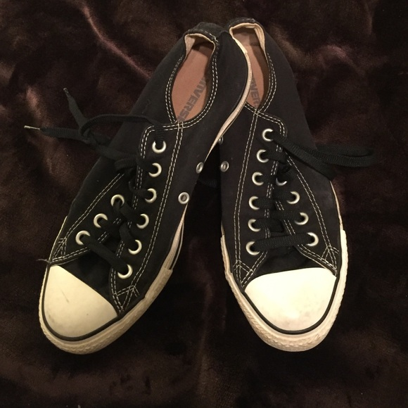 2725ba42febd Converse Shoes - Gently Used black low top converse w  black laces