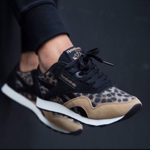 f4b08572fa02ad NWT Reebok Classics leopard running sneakers