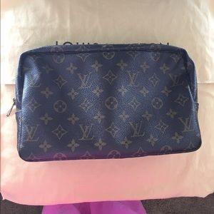 XXSOLDXX on FB 💯Auth LV Large Toiletry 28