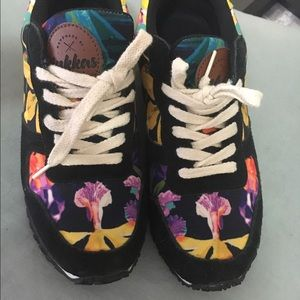inkkas Shoes - Fun and beautiful floral Joggers!