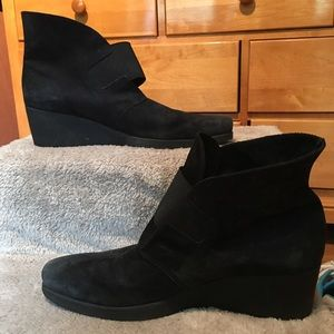 Arche Shoes - 🎉SALE🍾 Arche Black Suede Booties 41 or 10.5