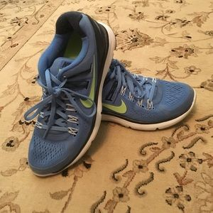 Lunarlons blue and lime green