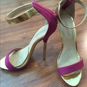 shoedazzle Shoes - Shoedazzle pink gold strappy sandals 7