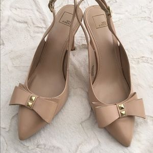 14th & union  Shoes - Nude pumps with bows