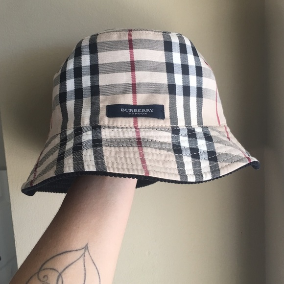 5b51c368e8f81 Burberry Accessories - Burberry Bucket Hat Reversible
