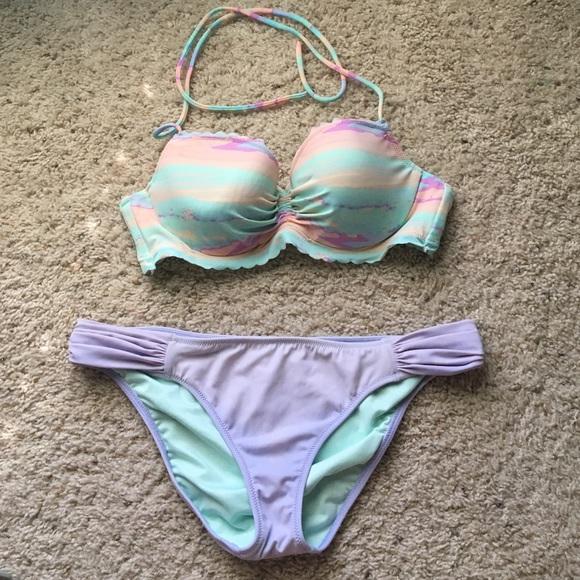 baaf5b763f859 Victoria s Secret Getaway Halter   Knockout Bikini.  M 57f94d6a68027876d705878f