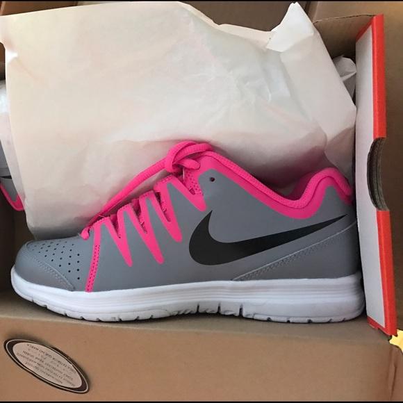 35 nike shoes brand new nike vapor court s
