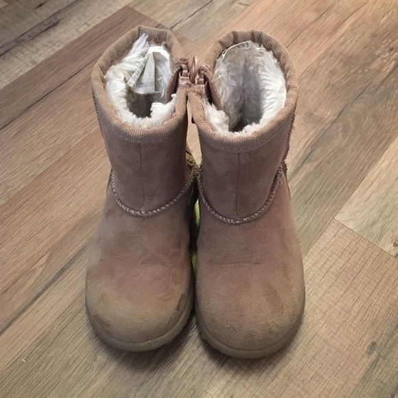 cc74f515355 Size 5T UGG Like - Target Boots