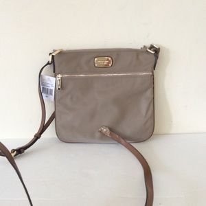 MICHAEL Michael Kors Handbags - Broken/Damaged Michael Kors Jet Set Crossbody Bag