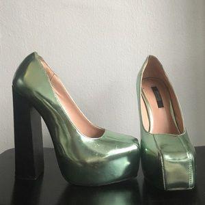 Metallic green heels size 35