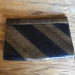 Handbags - Snake skin clutch vintage