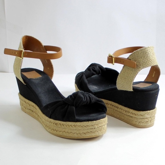 3b42698cfa1a Tory Burch Knotted Bow Wedge Sandal Size 9. M 57f95863f092824b5805b1f7
