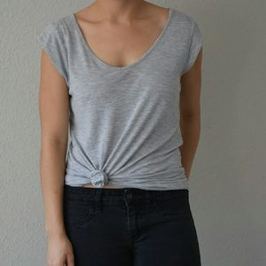 Valette Tops - Gray crew neck t-shirt