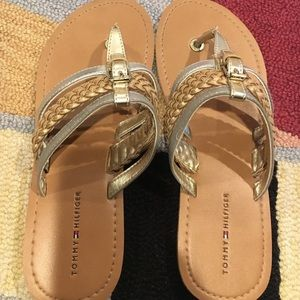 Tommy Hilfiger Other - Hilfiger girls size 4 sandals in gold and silver