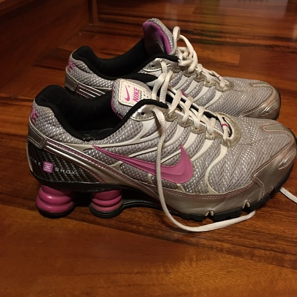 Nike Shox For  30  2972be566
