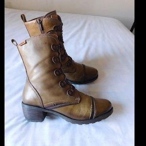 PIKOLINOS Shoes - Divine Tan Laced Boots W/Side Zipper &Cute Details