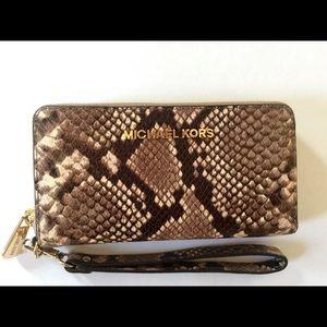 6418582fcb2e Michael Kors Bags - Woman s Michael Kors Snakeskin Wristlet Wallet New