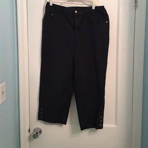 Relativity Pants - XX • Relativity Black Cropped Pants
