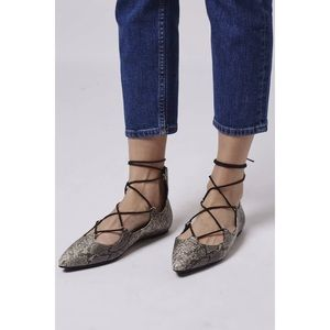 Topshop Shoes - NWT Topshop Fancy Pointed Toe Snakeskin Flats 36