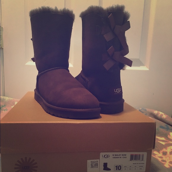 05653f39586 Women's Size 10 Chocolate Brown Bailey Bow UGGs